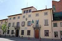 Facciata del Palazzo del Comune in Piazza Dante, entrata principale - Foto ufficio stampa