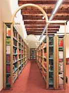 Corridoio della narrativa in Sala Ragazzi