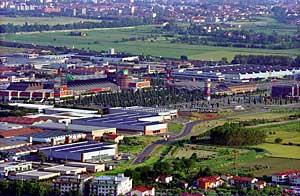 Veduta dell'area industriale con il centro commerciale I Gigli - Foto Marcello Ballerini