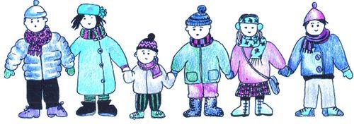 Bambini vestiti con abiti invernali